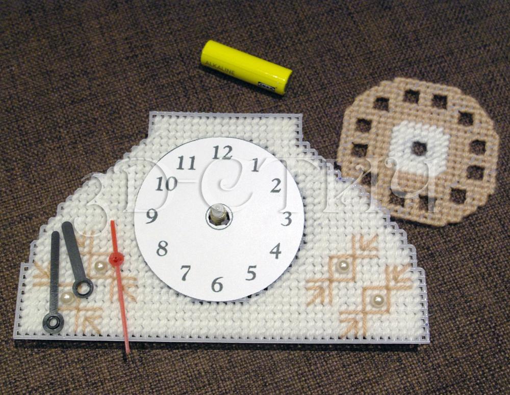 Мастер-класс вышивки на пластиковой канве - Телефон-часы - установка циферблата