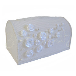 Набор для вышивания на пластиковой канве Свадебный сундучок (белый), арт. СД003